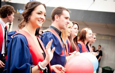 schueleraustausch-kosten-finanzierung-graduation